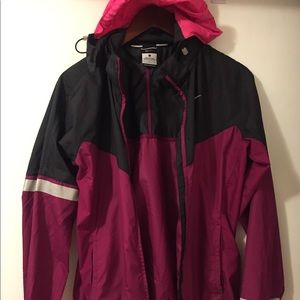 Nike running wind breaker